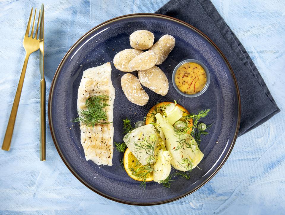 Lyssejfilet med saltede kartofler