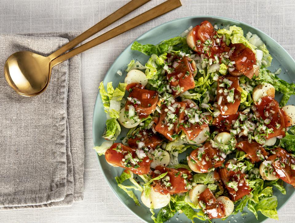 Glyngøre tomatsildebidder på grøn kartoffelsalat